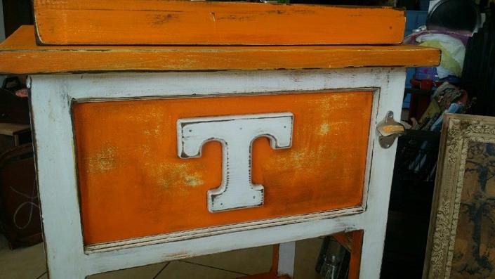 We can make the perfect stand-up cooler for all those Tennessee Volunteer fans!
